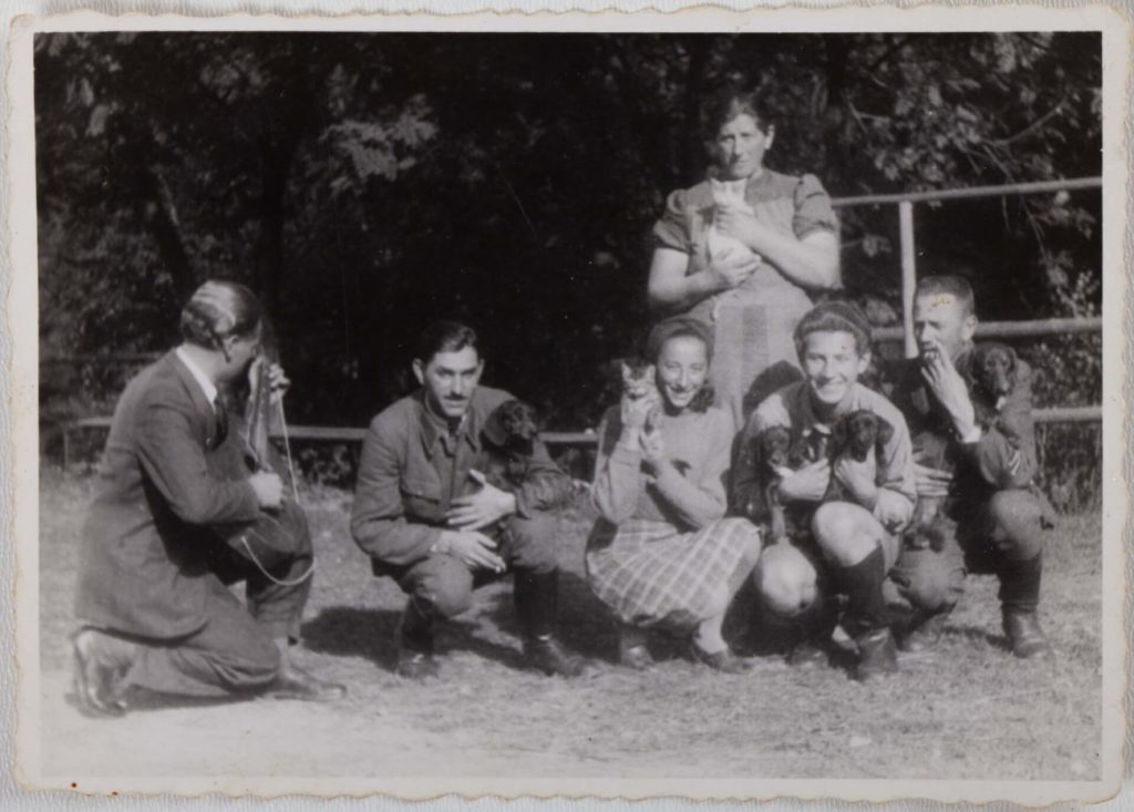 Михайло Білас з родиною і друзями